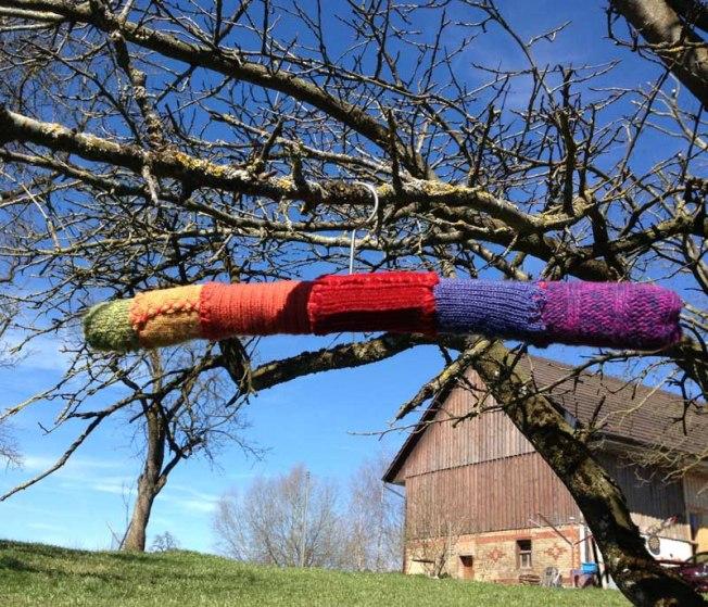 Regenbogenkleiderbügel