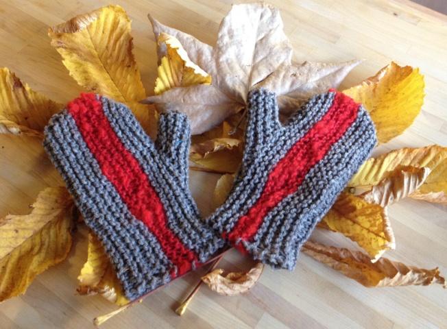 Sideways mittens